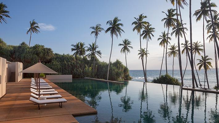 インド洋を望む白砂の海岸に佇む</p>AMANWELLA3泊5日