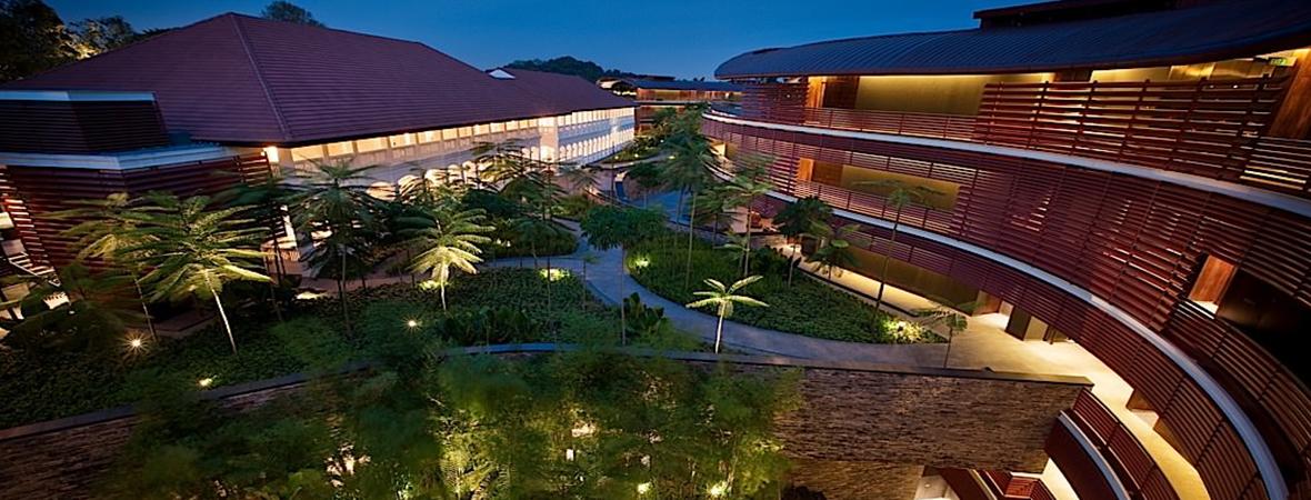 熱帯雨林に包まれた最高級リゾート</p>カペラ シンガポール3泊4日